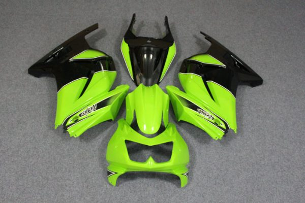 Пластик на мотоцикл Kawasaki Ninja 250R